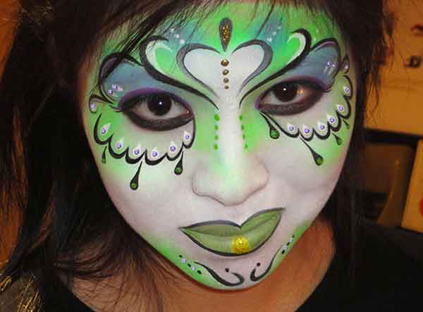Face-Paint-ADULTS_Green-face-woman-asian