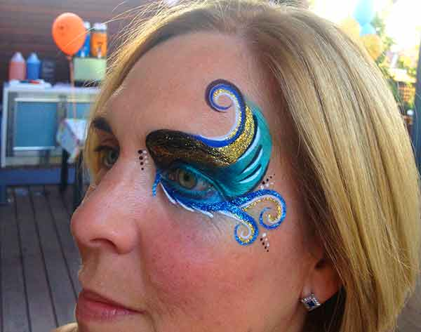 Face-Paint-ADULTS_woman-eye-peacock